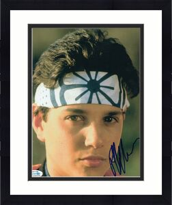 RALPH MACCHIO signed (THE KARATE KID) Movie 8x10 photo *Daniel Larusso* ACOA #2