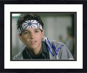 RALPH MACCHIO signed (THE KARATE KID) Movie 8x10 photo *Daniel Larusso* ACOA #7