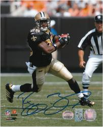 New Orleans Saints Reggie Bush Autographed 8'' x 10'' Photograph - Mounted Memories