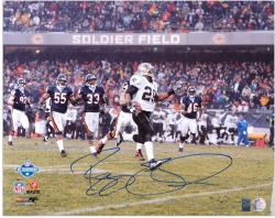 Reggie Bush Autographed Photograph - 2007 NFC Championship Game 16x20 Mounted Memories