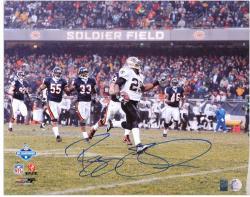 Reggie Bush Autographed Photograph - 2007 NFC Championship Game 16x20 Mounted Memories
