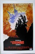 Richard Donner Signed The Goonies 11x17 Canvas Photo Director Psa Autograph B