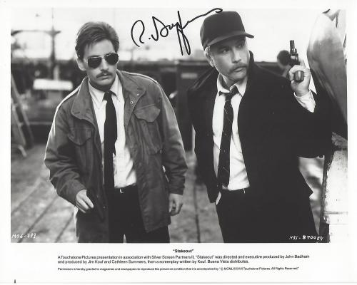 """RICHARD DREYFUSS as CHRIS LECCE in 1987 Movie """"STAKEOUT"""" Signed 10x8 B/W Photo"""