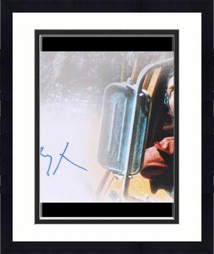 RICHARD DREYFUSS AUTOGRAPHED 16x20 PHOTO (CLOSE ENCOUNTERS OT THIRD KIND) - JSA!