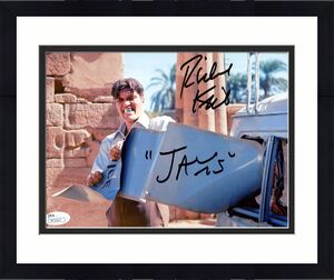 RICHARD KIEL HAND SIGNED 8x10 PHOTO+JSA      BEST POSE EVER AS JAWS   JAMES BOND