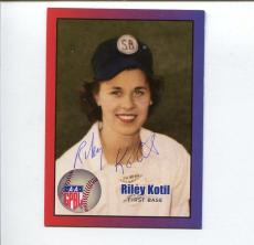 Riley Kotil AAGPBL Chicago Colleens South Bend Blue Sox Signed Autogr Photo Card