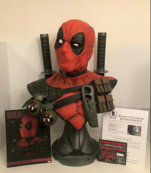 Rob Liefeld/Stan Lee Signed Marvel Sideshow Deadpool Full Size Bust Beckett COA