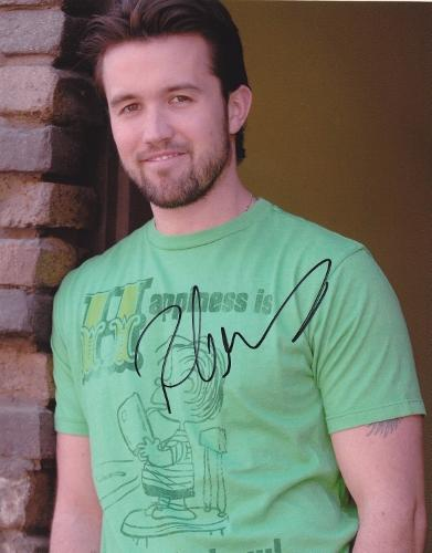 Rob McElhenney Signed - Autographed ITS ALWAYS SUNNY IN PHILADELPHIA 8x10 inch Photo - Guaranteed to pass PSA or JSA