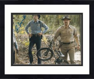 ROB MORGAN signed (STRANGER THINGS) 8X10 *OFFICER POWELL* photo W/COA #1