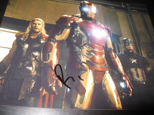 ROBERT DOWNEY JR SIGNED AUTOGRAPH 8x10 PHOTO IRON MAN AVENGERS AGE OF ULTRON X19