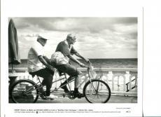 Robert Duvall Richard Harris Wrestling Ernest Hemingway Press Still Movie Photo
