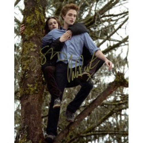 Robert Pattinson & Kristen Stewart Autographed 8x10 Photo