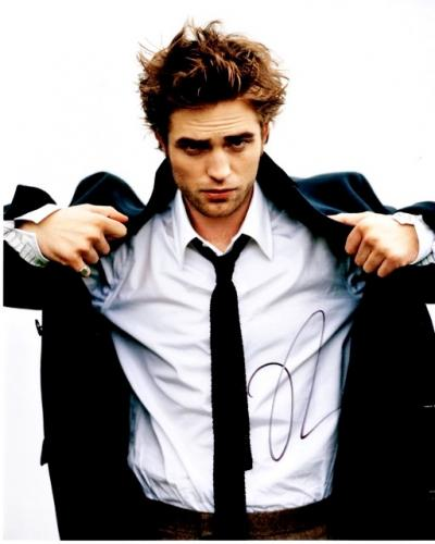 Robert Pattinson Signed - Autographed TWILIGHT Actor - Team Edward 8x10 inch Photo - Guaranteed to pass PSA or JSA