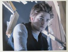 Robert Pattinson Signed Twilight Authentic 11x14 Photo (PSA/DNA) #J03387