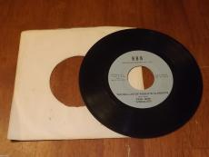Roberto Clemente 45 RPM record -- The Ballad of Roberto Clemente by Paul New