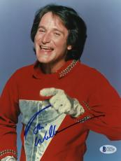 "Robin Williams Autographed 8""x 10"" Mork & Mindy Silver Glove Photograph With Blue Ink -  Beckett COA"