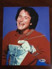 """Robin Williams (Mork from Ork), """"Autographed"""" 8x10 Photo (Beckett) (Deceased)"""