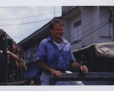Robin Williams Signed Autographed Color 8x10 Photo