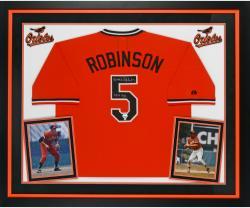 "ROBINSON, BROOKS FRMD AUTO ""HOF"" (DELXE) (/ORG/TB) (MLB) JSY - Mounted Memories"