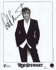 ROD STEWART HAND SIGNED 8x10 PHOTO      AWESOME POSE    ROCK+ROLL LEGEND     JSA