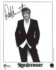 ROD STEWART HAND SIGNED 8x10 PHOTO+COA      AWESOME POSE   DO YOU THINK I'M SEXY