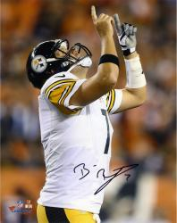 Ben Roethlisberger Pittsburgh Steelers Autographed 8'' x 10'' Celebration Pointing Photograph - Mounted Memories