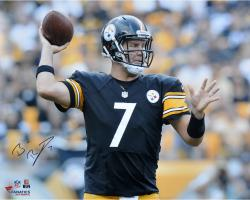 Ben Roethlisberger Pittsburgh Steelers Autographed 16'' x 20'' Horizontal Passing Photograph - Mounted Memories