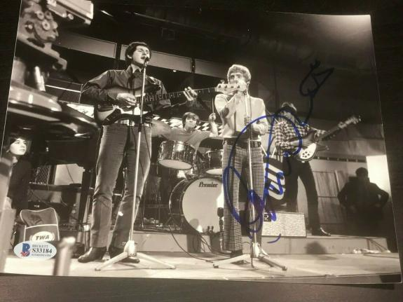 ROGER DALTREY SIGNED AUTOGRAPH 8x10 PHOTO THE WHO EMINENCE FRONT BECKETT COA D