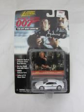 Roger Moore Authentic Signed Diecast 007 James Bond Auto Psa/dna X48541