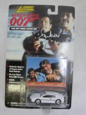Roger Moore Authentic Signed Diecast 007 James Bond Auto Psa/dna X48546