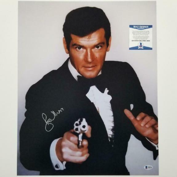 Roger Moore James Bond 007 signed 16x20 photo #1 Autograph ~ Beckett BAS COA