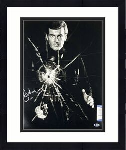 Roger Moore James Bond 007 signed 16x20 photo #3 Autograph ~ Beckett BAS COA