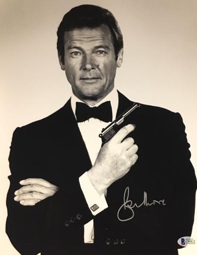 Roger Moore James Bond 007 Signed Authentic 11X14 Photo Autographed BAS COA #14