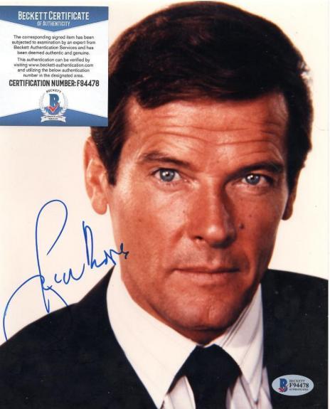 Roger Moore James Bond Signed Autographed 8x10 Photo Bas F94478