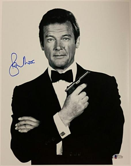 Roger Moore Signed 11x14 James Bond 007 photo auto #6 w/ Beckett BAS COA