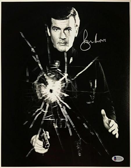 Roger Moore Signed 11x14 James Bond 007 photo auto #7 w/ Beckett BAS COA