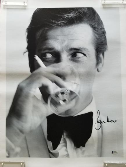 Roger Moore Signed 16x20 Canvas James Bond 007 Bas Coa Authentic Autograph