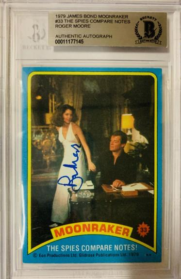ROGER MOORE Signed 1979 Topps James Bond trading card #33 Moonraker BAS Auth.