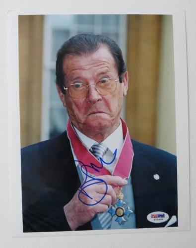 Roger Moore Signed Buckingham Palace Autographed 8x10 Photo (PSA/DNA) #I72605