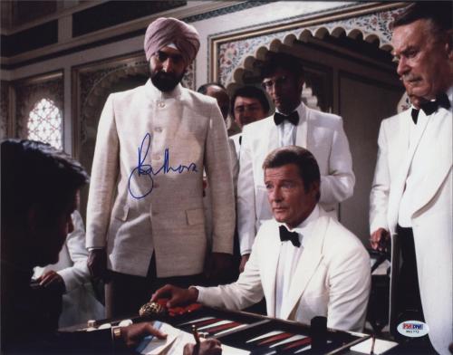 Roger Moore Signed James Bond 007 Photo 11x14 - Autographed PSA DNA Witness 4
