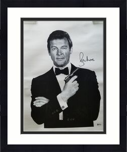 Roger Moore Signed James Bond 16x20 007 Canvas Bas Coa Authentic Autograph
