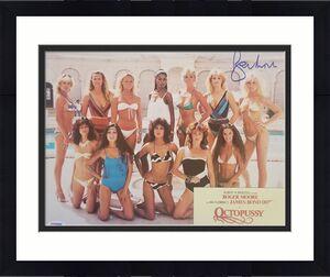 ROGER MOORE Signed 11x14 Photo JAMES BOND 007 OCTOPUSSY PSA/DNA COA