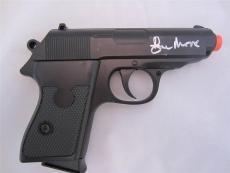 Roger Moore Signed Replica Gun  James Bond 007 Psa/dna Auto