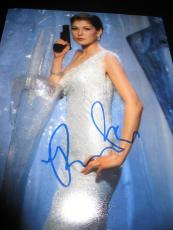 ROSAMUND PIKE SIGNED AUTOGRAPH 8x10 PHOTO JAMES BOND GONE GIRL BABE IN PERSON L