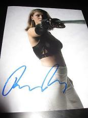 ROSAMUND PIKE SIGNED AUTOGRAPH 8x10 PHOTO JAMES BOND GONE GIRL BABE IN PERSON N