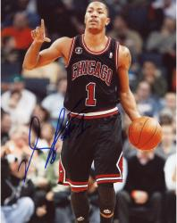 ROSE, DERRICK AUTO (BULLS/BLACK JERSEY) 8X10 PHOTO - Mounted Memories
