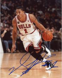 ROSE, DERRICK AUTO (BULLS/WHITE JERSEY) 8X10 PHOTO - Mounted Memories