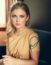 Rose McIver Signed Autographed 8x10 Photo iZombie Once Upon A Time COA VD