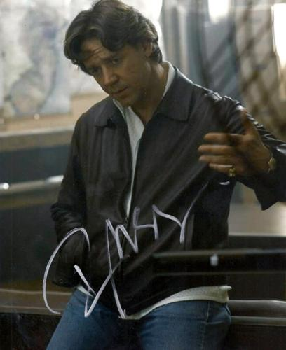 Russell Crowe Autographed American Gangster Photo AFTAL