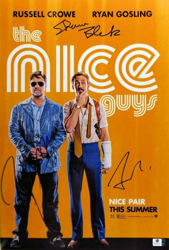 Russell Crowe Gosling Black Autographed 12X18 Photo The Nice Guys JSA T59319